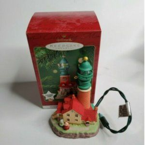 2001 Hallmark Keepsake Orn Lighthouse Greetings